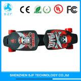 スポーツの四輪通り電子モーター折るスケートボード