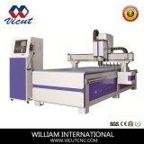 Маршрутизатор CNC машины CNC машины автоматического изменения инструмента деревянный работая