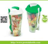 Tazza di plastica dell'insalata con la forcella Plasticsalad che veste agitatore