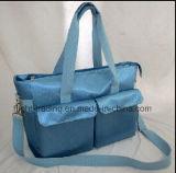 Handtaschen tragen den für das Einkaufen geeigneten und im Freienbeutel