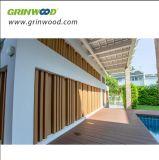 固体装飾的な木ずりの木製のプラスチック合成の屋外の装飾的なボード
