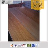 乾燥した背部板に床を張る2.5mm PVCシートのビニール