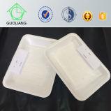 Bandeja plástica disponible de la carne con la pista absorbente