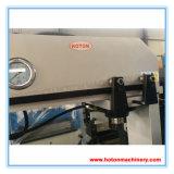 Presse hydraulique avec le vérin en mouvement (appuyez sur la machine HP HP50M63M HP100M)