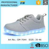 Blinkendes Licht-laufende Schuhe der Ineinander greifen-Geliebt-LED