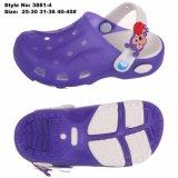 エヴァのゼリーはLEDの軽い庭の靴の多彩なHoley障害物をからかう