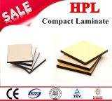 Il laminato compatto HPL riveste la scheda compatta