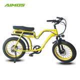 Шаг с помощью моторной лодки на пляже жир шины электрический велосипед с помощь педали управления подачей топлива