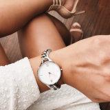 Het aangepaste Horloge van de Dames van de Pols van het Staal van het Embleem