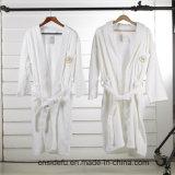 刺繍されたロゴの良質のビロードのベロアのテリーのホテルの浴衣