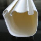 プラスチック放出の白い四角の形PVCプロフィール