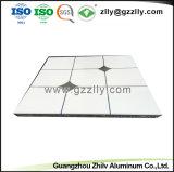 На заводе прямой продажи алюминия подвесного потолка для интерьера