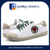 Nueva moda de alta calidad a bajo precio de las mujeres los zapatos deportivos Zapatos de lona