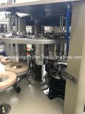 Taza de papel que hace la maquinaria para el café