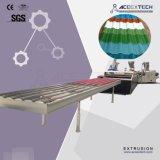PVCコア層は波形の屋根シートの生産ライン泡立った