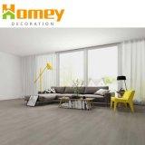 Du grain du bois planche de revêtement de sol PVC /Plastique Vinyle de plancher et de revêtements de sol PVC