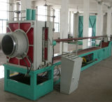 Gewundenes Metallgefäß, das Maschine herstellt