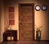 La couleur grise a conçu la porte intérieure affleurante en bois avec la cannelure
