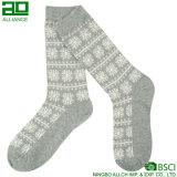Graue glückliches Weihnachtsfrohe Kleid-Mannschafts-Winter-Socken