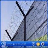 PVCは低価格の3つのDによって溶接された電流を通された塀のパネルを塗った