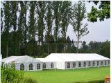 Barraca do armazenamento provisório para o evento do casamento do armazenamento