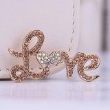 愛アルファベットの方法宝石類のブローチ