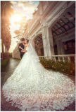 Vestidos de noiva de cristal nupcial Pétalas personalizadas Vestido de casamento com flores Lb17801