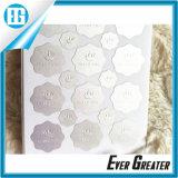 La etiqueta engomada levantada grabada auta-adhesivo del papel de aluminio de la insignia con crea para requisitos particulares