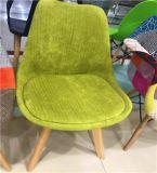 椅子の屋外のプラスチック椅子を食事するホーム家具PUの革