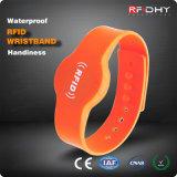Il basso costo 13.56MHz impermeabilizza il silicone dei Wristbands di RFID