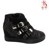 花の装飾(SN507)が付いている2018の標準的なバックルの女性のスニーカーの履物の靴