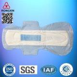 Garnitures sanitaires élevées de coton absorbant de bon fournisseur de la Chine