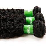 アフリカのねじれたカールは毛の織り方で縫う