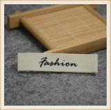 Vestuário tecido barato OEM etiquetas de nome de marca de roupa