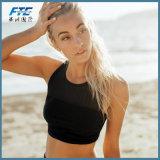 여자 비키니는 까만 레이스 수영복 투명한 높은 목을 놓는다