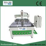 Macchinario di CNC con l'asse rotativo