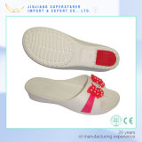 Ботинки тапочки женщин скольжения ЕВА с резиновый пяткой и верхним украшением цветка