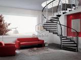 Escalera espiral del acero inoxidable con el paso de progresión de madera de interior