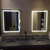 Miroir de mur de miroir éclairé à contre-jour par vanité allumé par hôtel avec l'éclairage LED