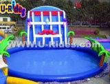 Estrutura do parque aquático interior com o slide insufláveis