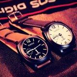 339 새로운 디자인 스테인리스 뒤 남녀 공통 빛난 시계 스포츠 손목 시계