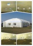 Exposition gonflable d'usager de chapiteau d'hexagone blanc énorme extérieur annonçant la tente