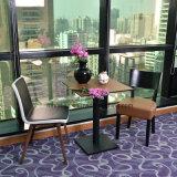 Tabella di legno della mobilia del caffè con la presidenza di cuoio della disposizione dei posti a sedere