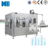 La Chine bouteille d'usine d'eau embouteillée La ligne de production de machines de remplissage