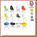 椅子を食事する最も普及したよいデザイン現代プラスチックDsw