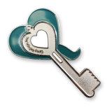 Pin su ordinazione di tasto del metallo e Pin a forma di del risvolto del cuore (BD-01)