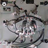 Plastikspritzen, das Vorrichtungs-Bauteil überprüft