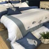 Вышитый Covert кровати гостиницы сатинировки промотирования