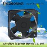 Ventilateur axial en plastique des turbines 24W 0.17A 2550rpm du noir 5 de la bonne qualité 135X135X32mm