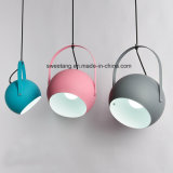 Desligar a luz do pendente com seis cores para decoração